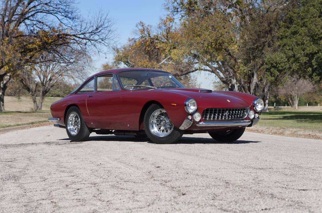 1963 Ferrari 250 GT Lusso, auctioned by RM Sotheby's in January 2012 for $ 979,000 (£ 633,600). Photo RM Sotheby's