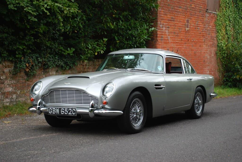 1965 Aston Martin DB5, auctioned by Bonhams in September 2009 for £ 144,500. Photo Bonhams